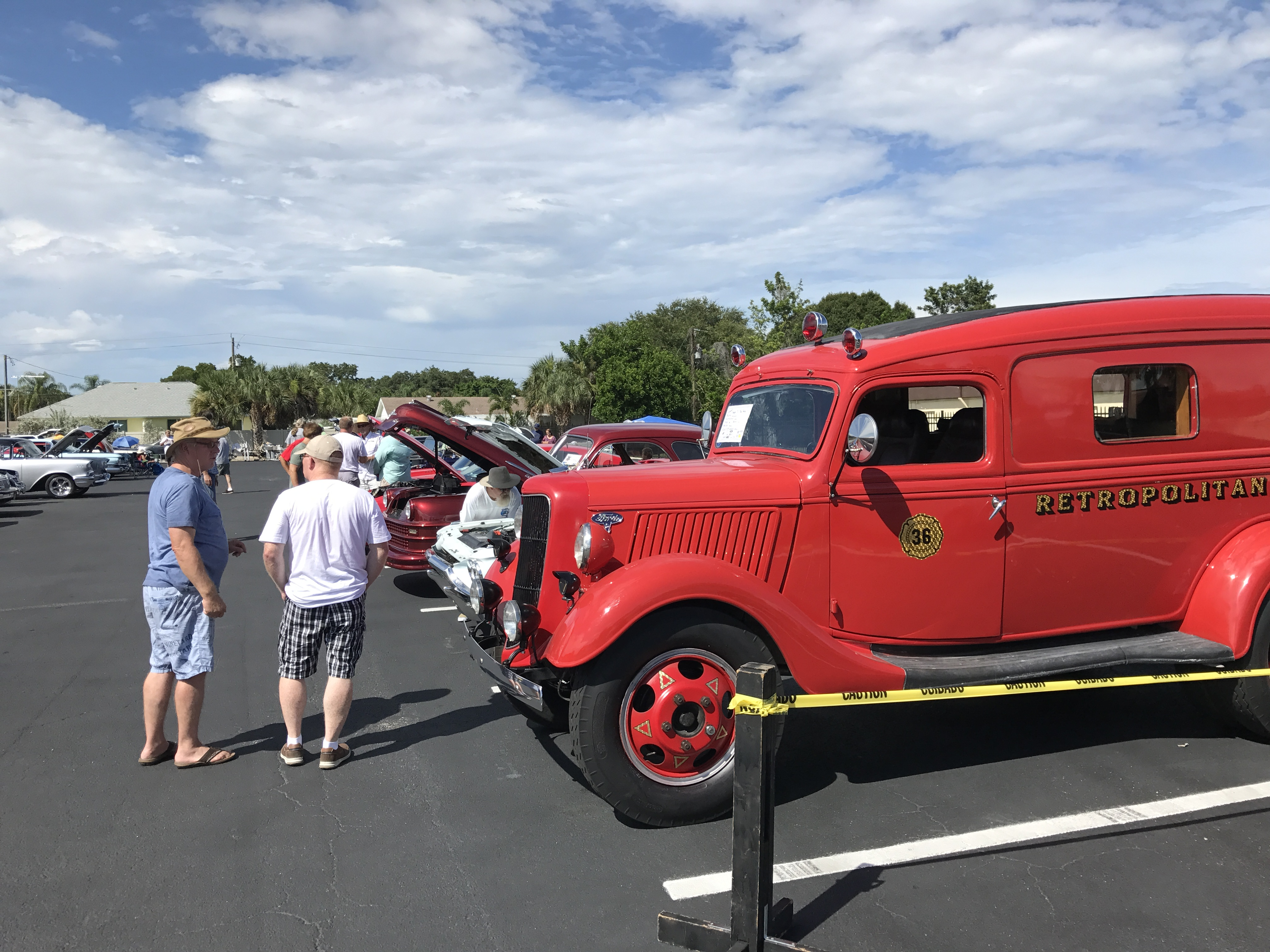 Truck's first outing: Monthly classic car show at Ideal Classic Cars in Venice.  Award: Top 10 !!!